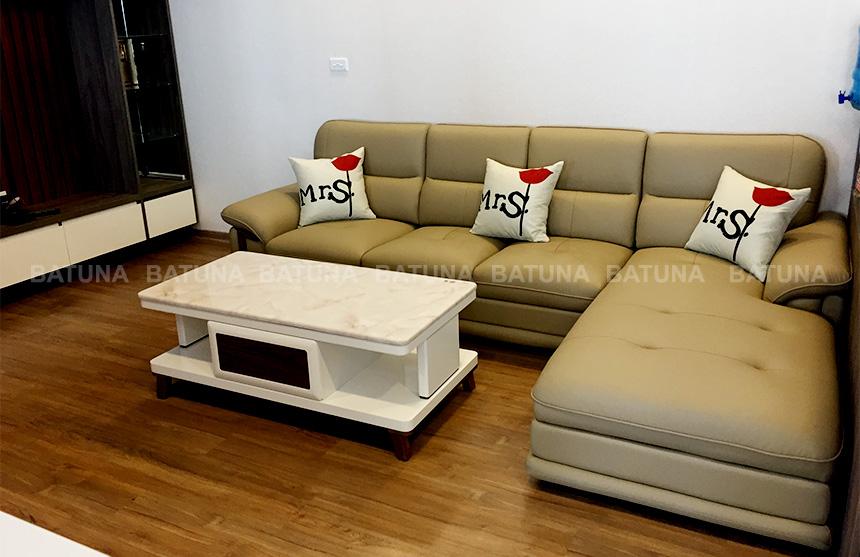 Bọc ghế sofa tại nhà chị Sáu
